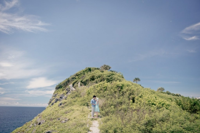 Riva Loren Uy - Travel Engagement Photography